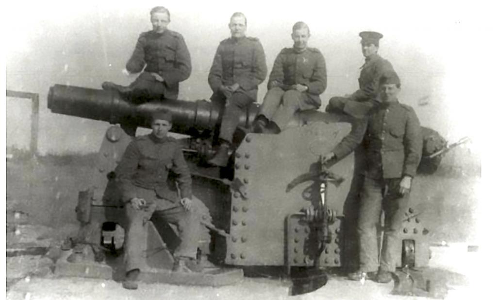web-Fort Pannerden-kanon-soldaten_E3A6823
